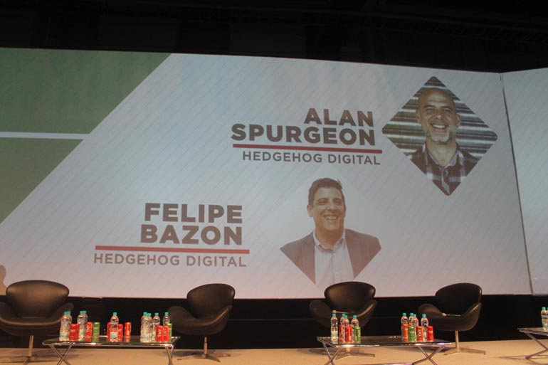 SEO Experts from Hedgehog on Stage in Brazil